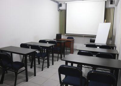 Sala dos, carpetas y sillas