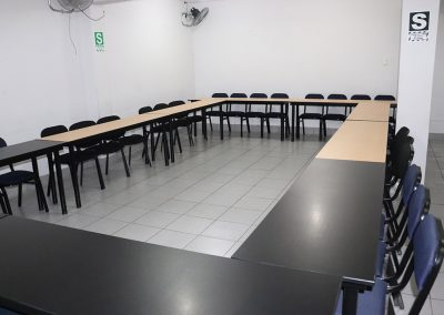 Sala 4, reunión
