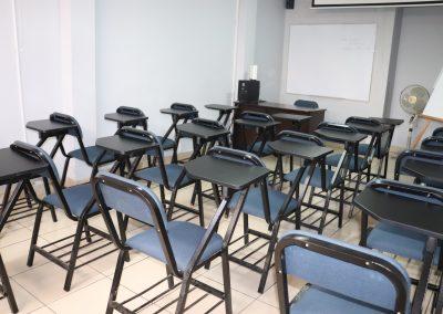 Sala 5, Los Olivos, carpetas azules